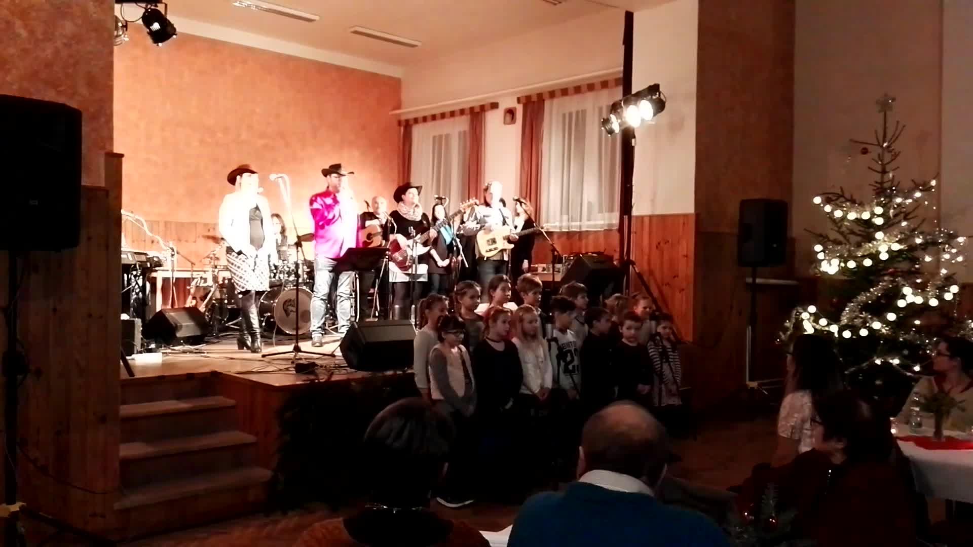 Koncert Kosáčků a Gymplerů