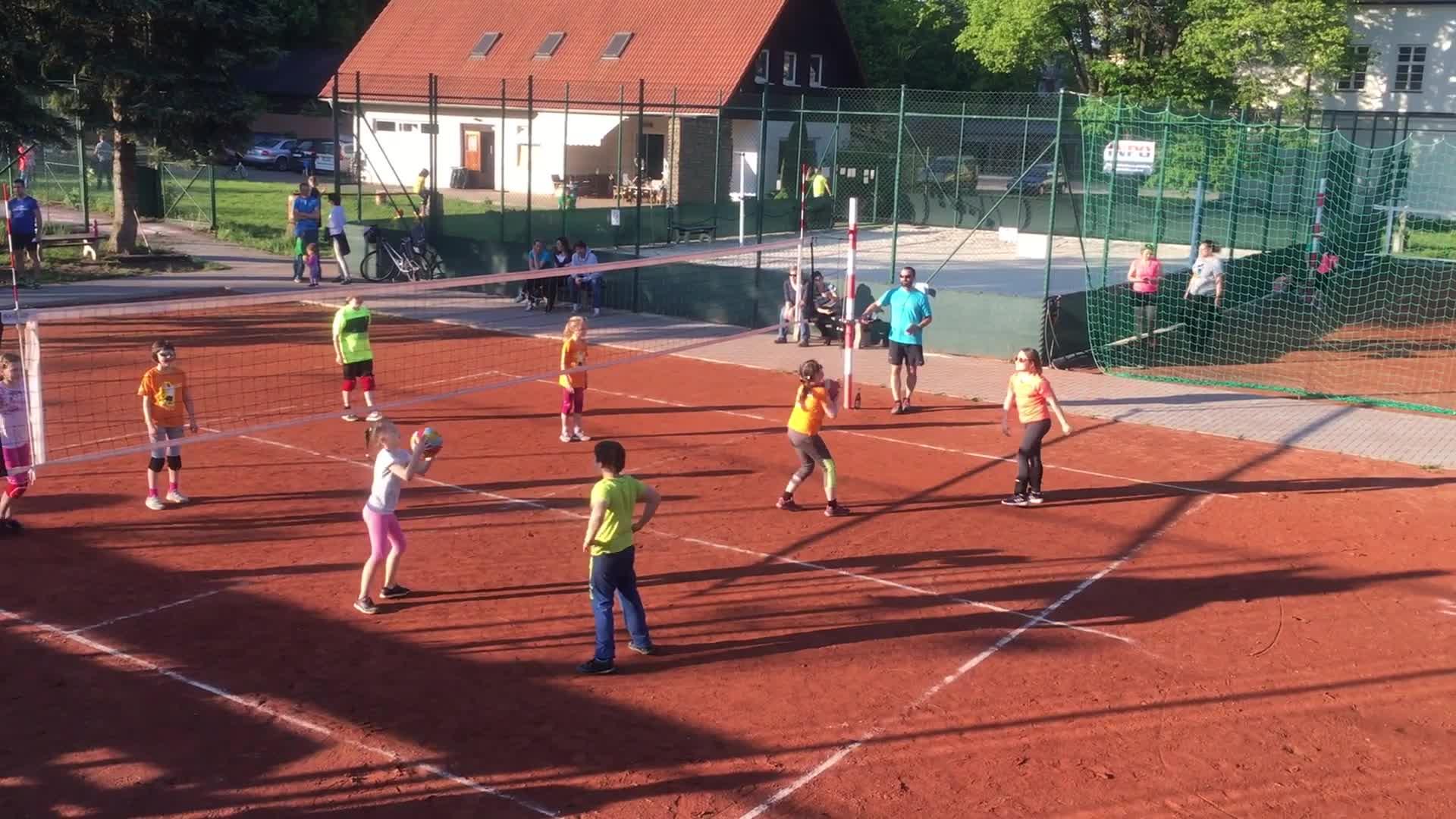 Minivolejbalový turnaj v Hošťálkové